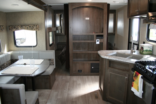 2019 Coleman Lantern Series 244bh Holiday Rv Sales And
