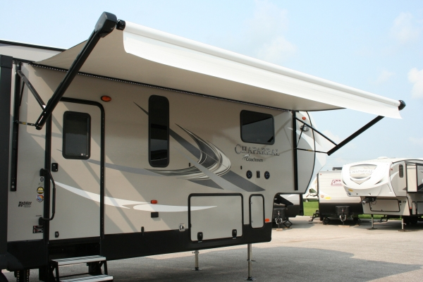 2019 Coachmen Chaparral 40 39 360ibl Holiday Rv Sales And Service