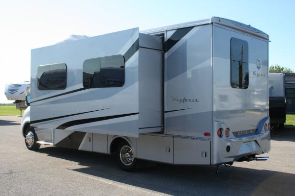 2020 Tiffin Wayfarer 25' 25RW | Holiday RV Sales and Service